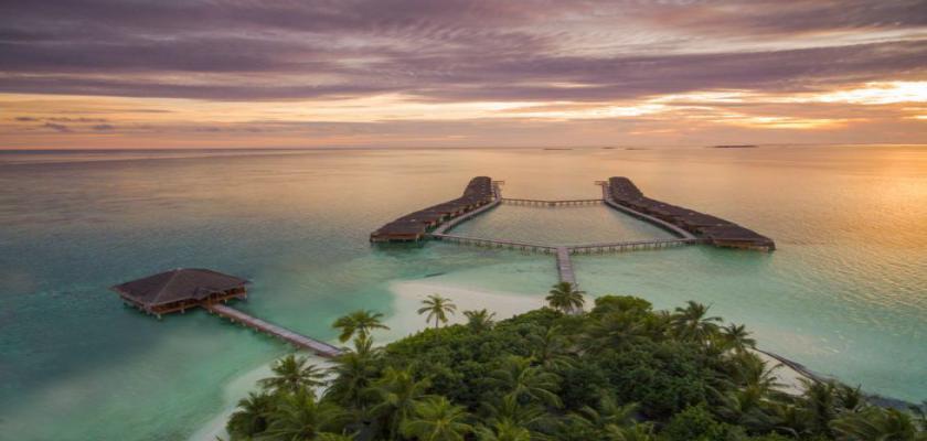 Maldive, Male - Medhufushi Island Resort 5