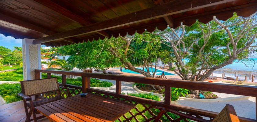 Zanzibar, Zanzibar - Warere Beach Hotel 2