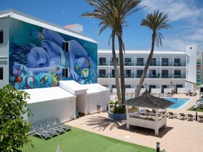 Spagna - Canarie, Fuerteventura - Surfing Colors Apt City Dreams